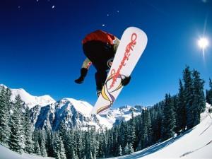 Sfondi deskto HD Snowboard - salto