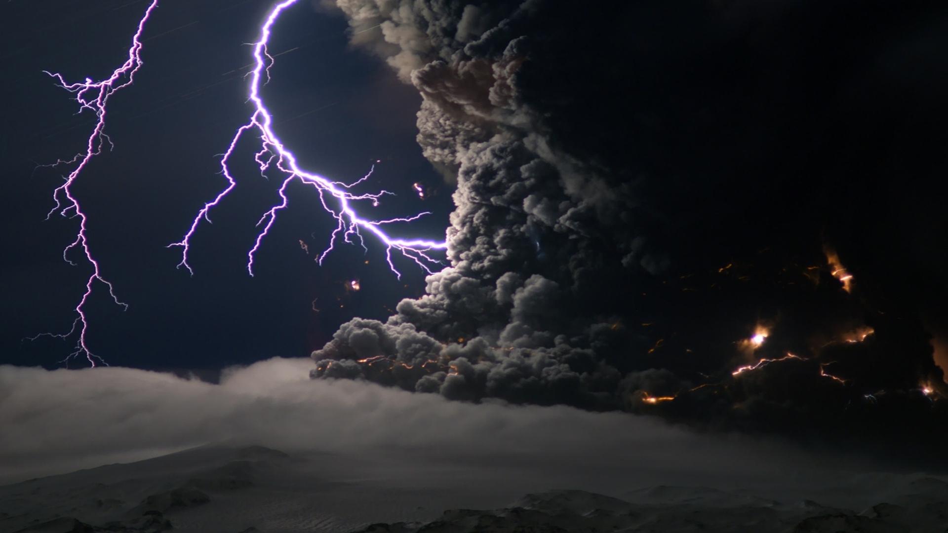 Sfondi bellissimi hd fulmini e tempesta sfondi hd gratis for Sfondi spazio full hd