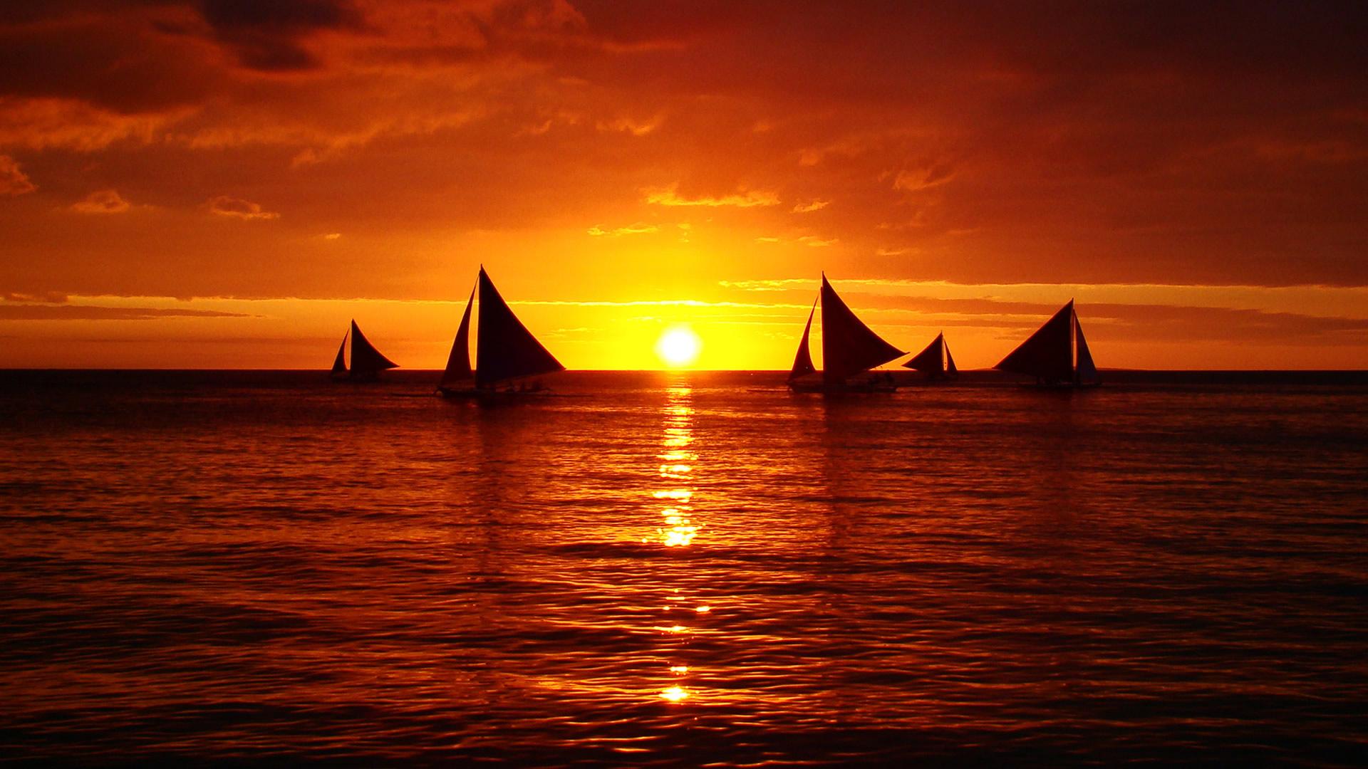 Sfondi bellissimi hd tramonto sul mare e barche a vela for Paesaggi naturali hd