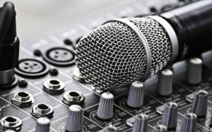 Sfondi HD musica - microfono e mixer