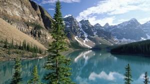 Sfondi HD natura lago tra le montagne