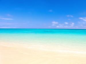 Sfondi HD spiagga e mare all'orizzonte