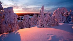 Sfondo neve e tramonto
