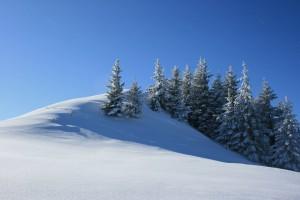 Sfondo paesaggio neve in montagna