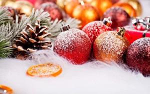Sfondo decori natalizi innevati
