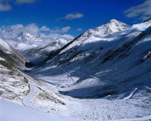 Sfondi HD montagne innevate inverno
