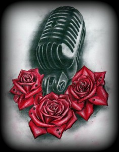 Tattoo realistico microfono e rose