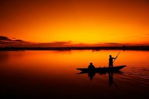Sfondo laguna mare e pescatori